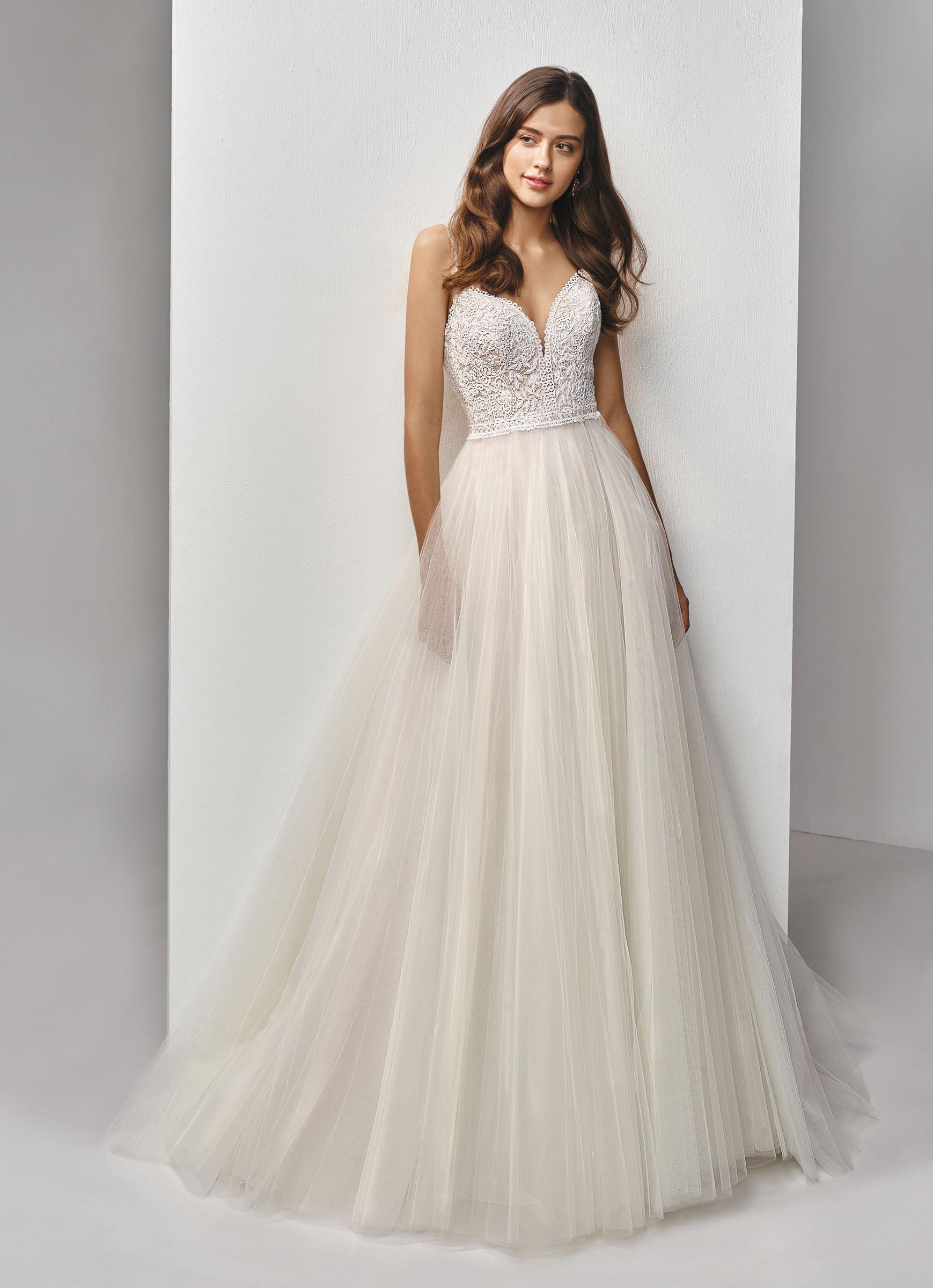 Brautkleid mit Spitzentop und Tüllrock von Beautiful Bridal, Modell BT19-16