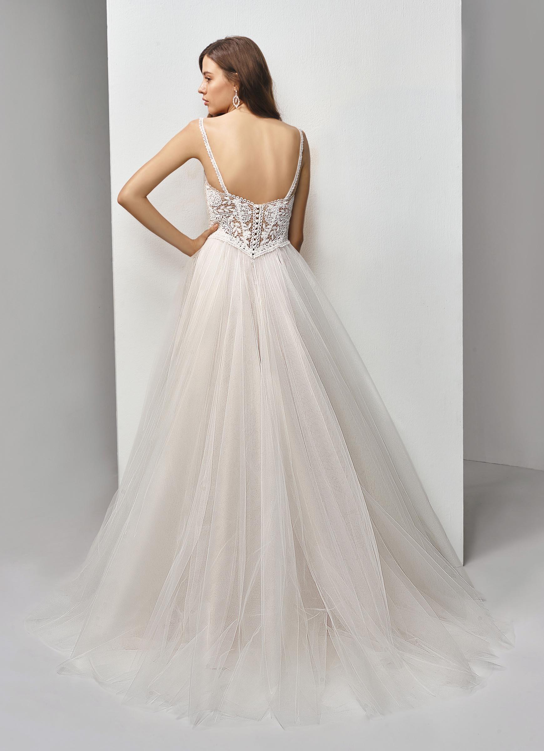 Brautkleid mit Spitzentop und Tüllrock von Beautiful