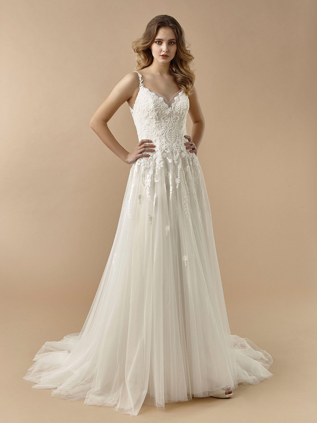 Brautkleid im Prinzess-Stil mit Tüllrock, bestickter