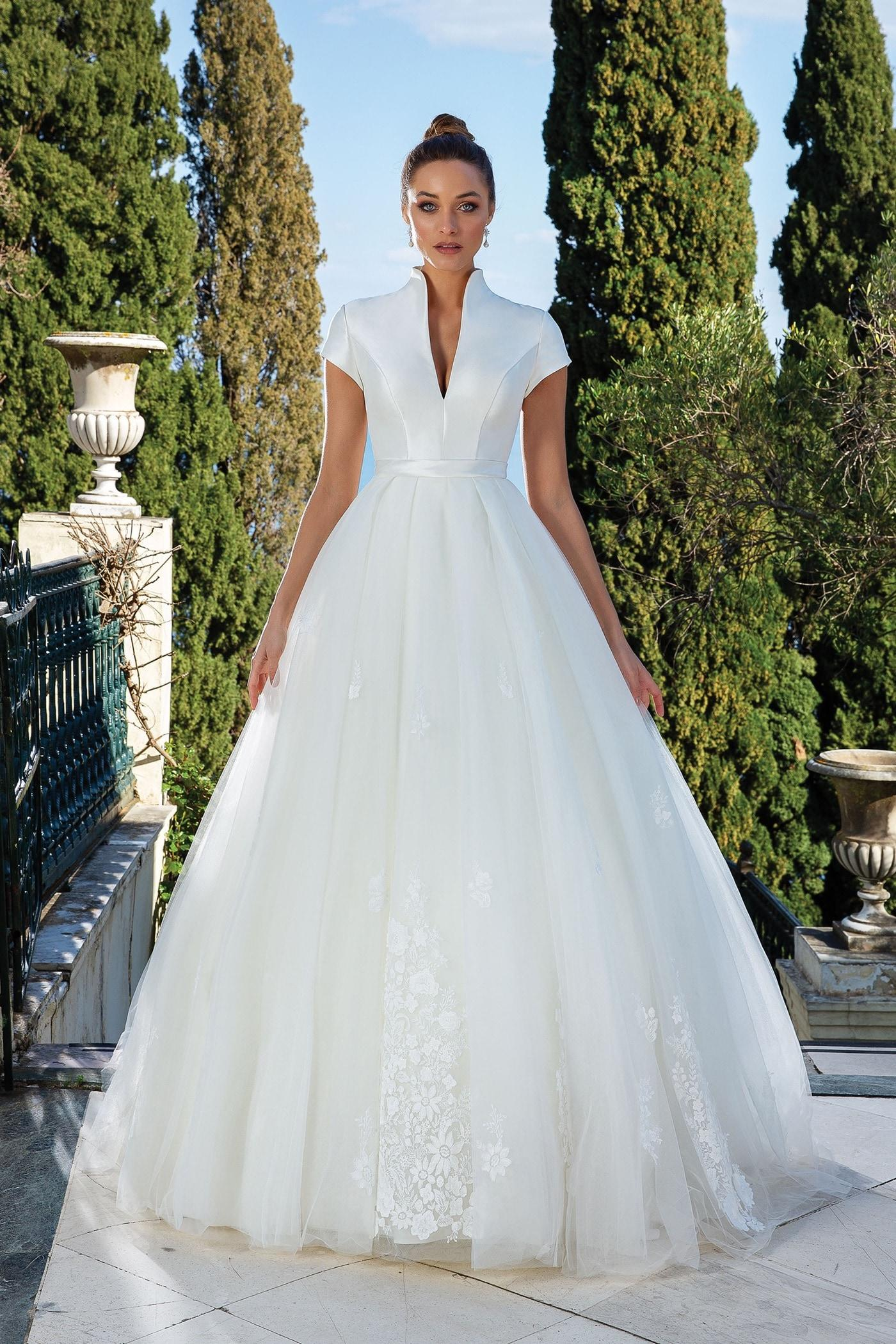 Wandelbares Fit-and-Flare-Brautkleid mit abnehmbarem Tüllrock