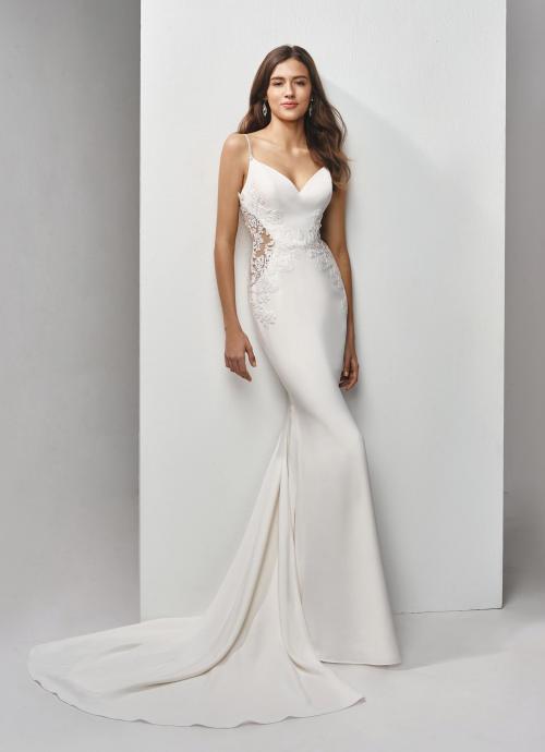 Fit and Flare-Brautkleid mit Cutouts und Spaghettiträgern von Beautiful Bridal, Modell BT19-2