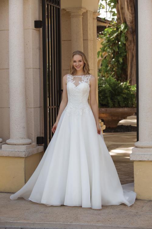 weißes Brautkleid mit Spitze im Prinzessinnen-Stil von Sincerity, Modell 44087