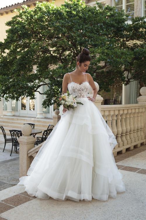 Brautkleid mit transparentem Spitzentop und Tüllrock von Sincerity, Modell 44090