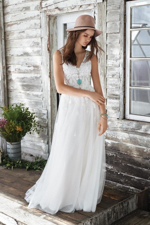 weißes Brautkleid mit Spitze, V-Ausschnitt und Tüllrock von Lillian West, Modell 66042