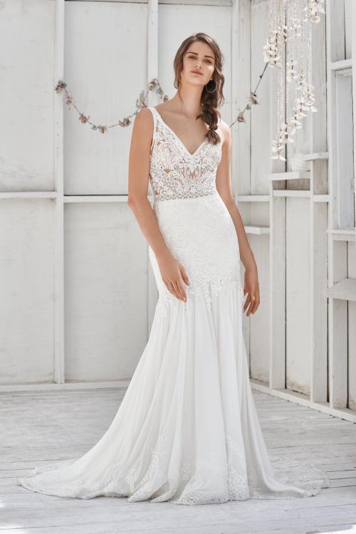wandelbares Brautkleid mit Spitze in Weiß von Lillian West, Modell 66040