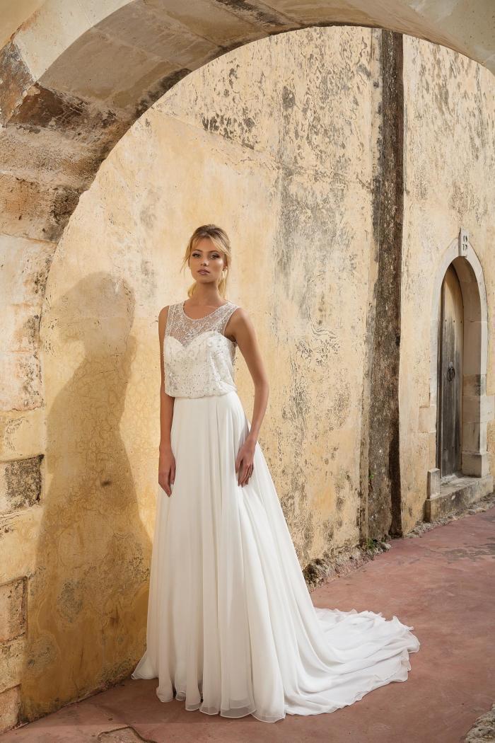 Brautkleid mit Strass und Rundhals-Ausschnitt von Justin Alexander, Modell 88039
