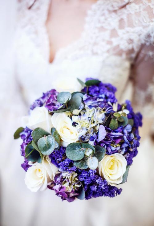 Brautkugel in Lila