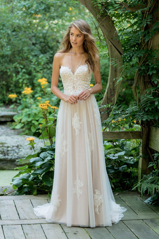 Brautkleid von Lillian West Style 66008