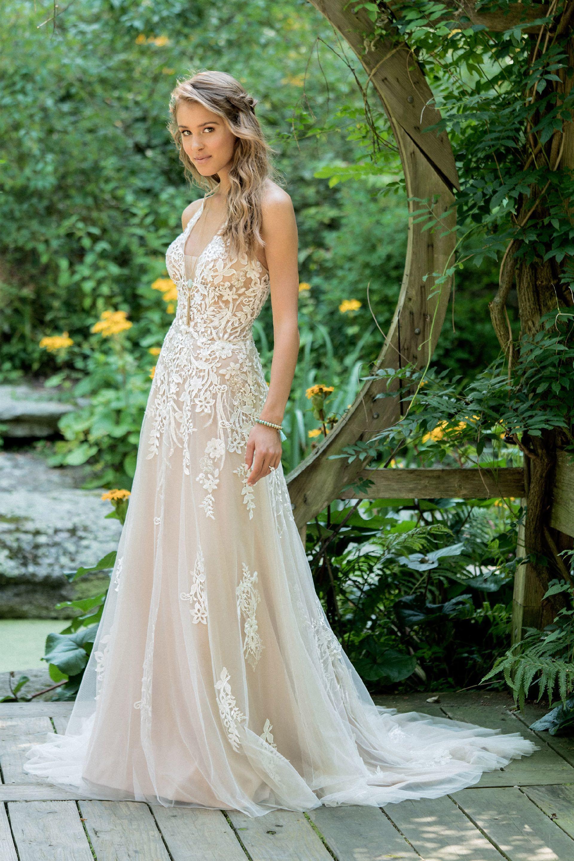 Brautkleid von Lillian West Style 66010