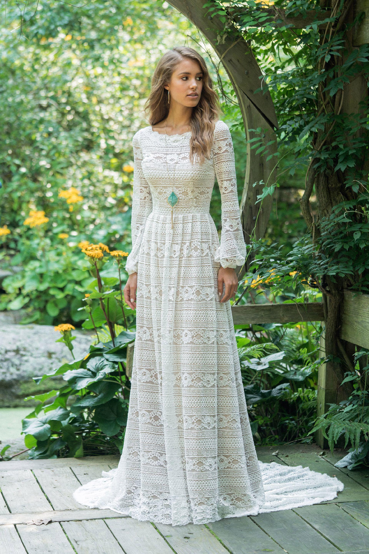 Brautkleid von Lillian West Style 66014