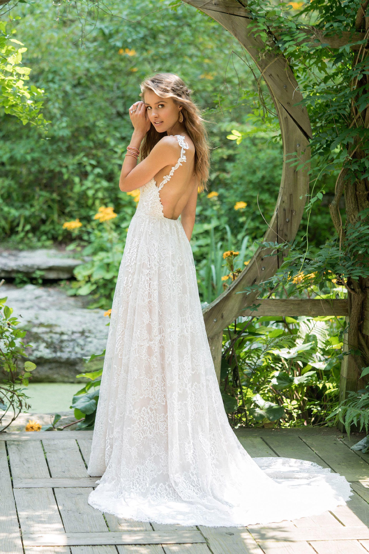 Brautkleid von Lillian West Style 66020