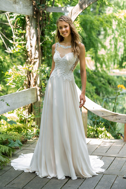 Brautkleid von Lillian West Style 66022