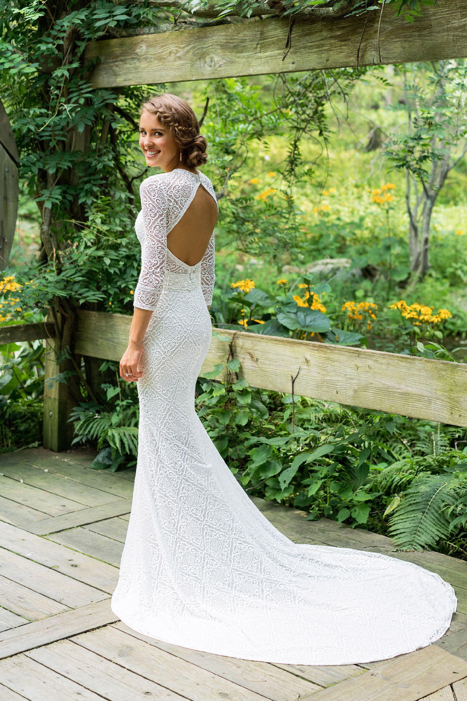 Brautkleid von Lillian West Style 66023