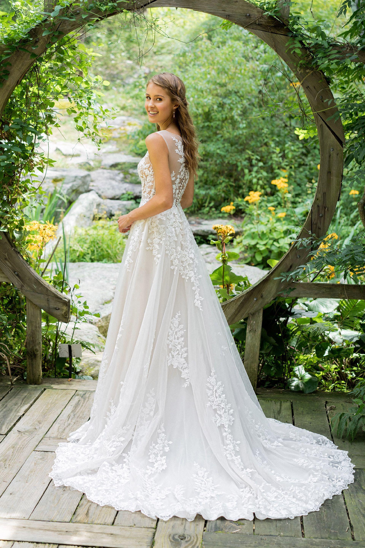 Brautkleid von Lillian West Style 66024