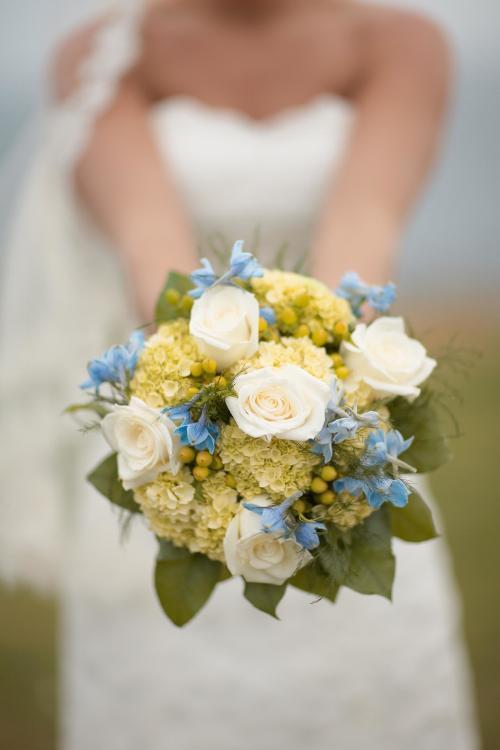 Brautstrauß in Creme und Grün