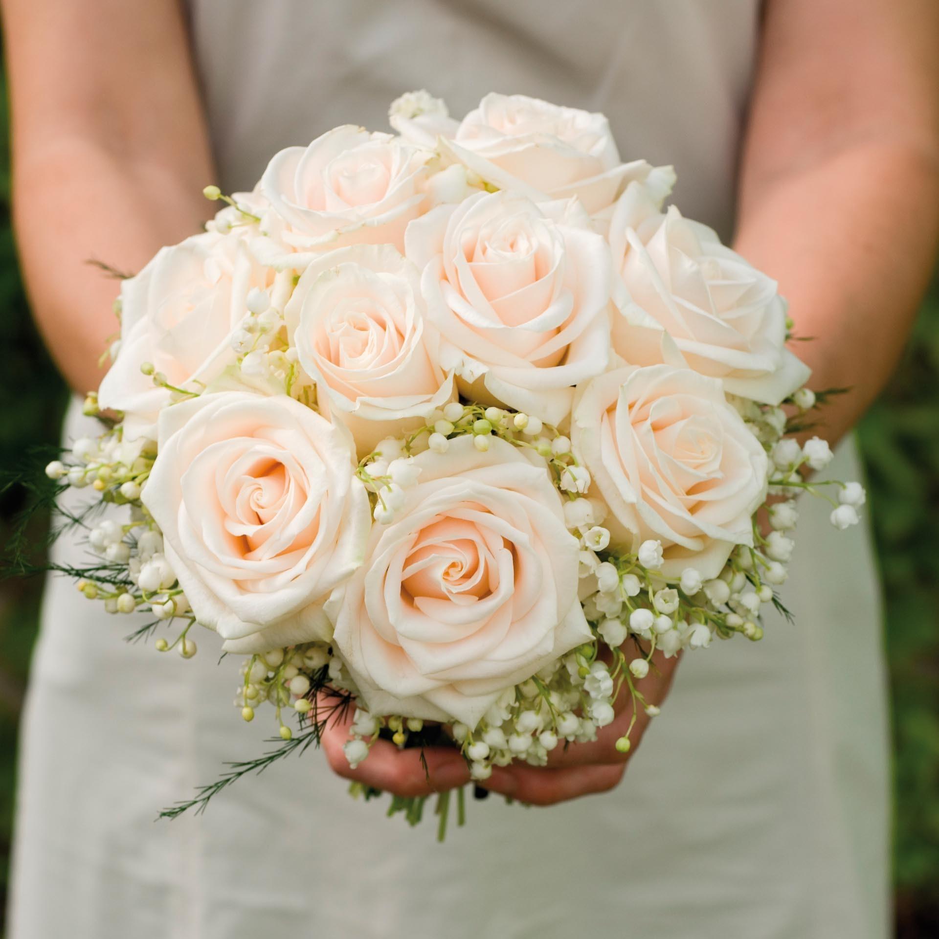 Brautstrauss Aus Rosen Und Maiglockchen Heiraten Mit Braut De