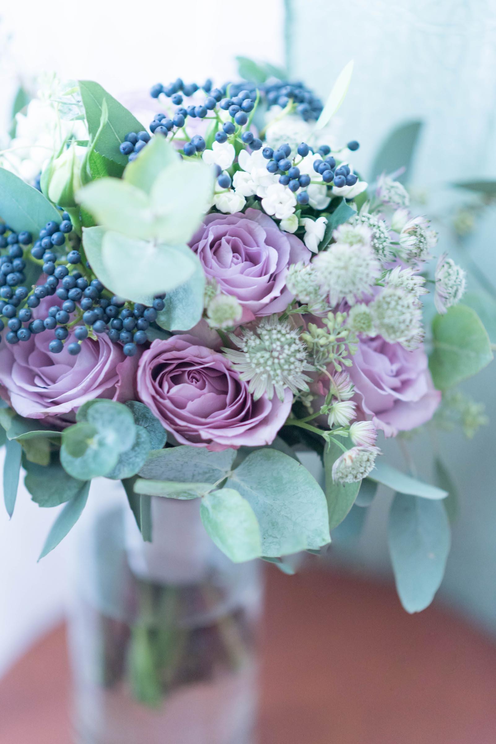 Lila Brautstrauss Mit Eukalyptus Heiraten Mit Braut De