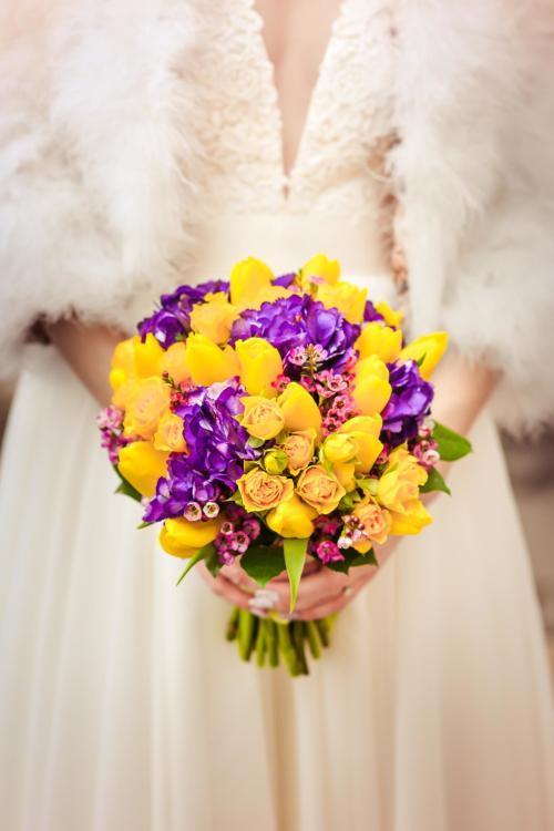 Brautstrauß in gelb und lila
