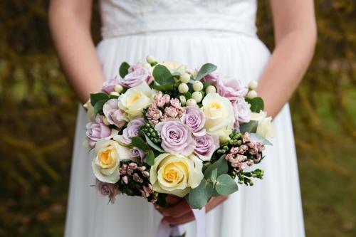 Brautstrauß in Gelb und Rosa