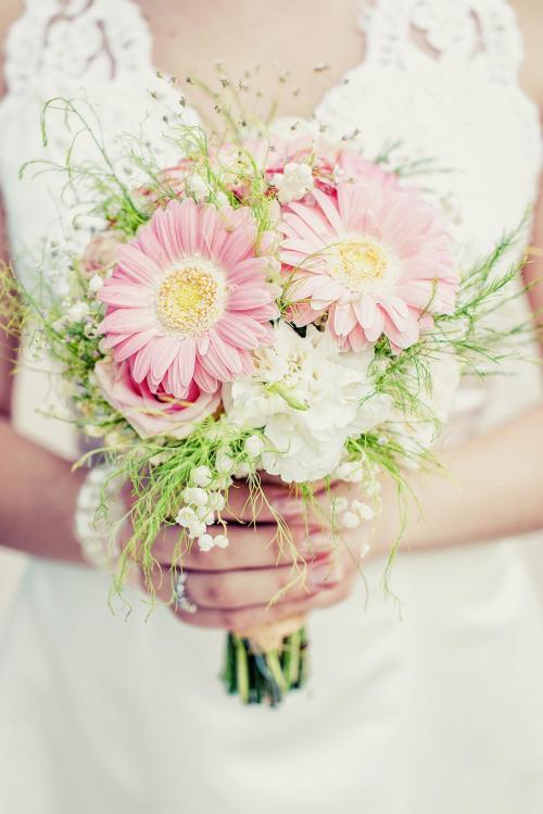 Brautstrauß mit rosa Gerbera