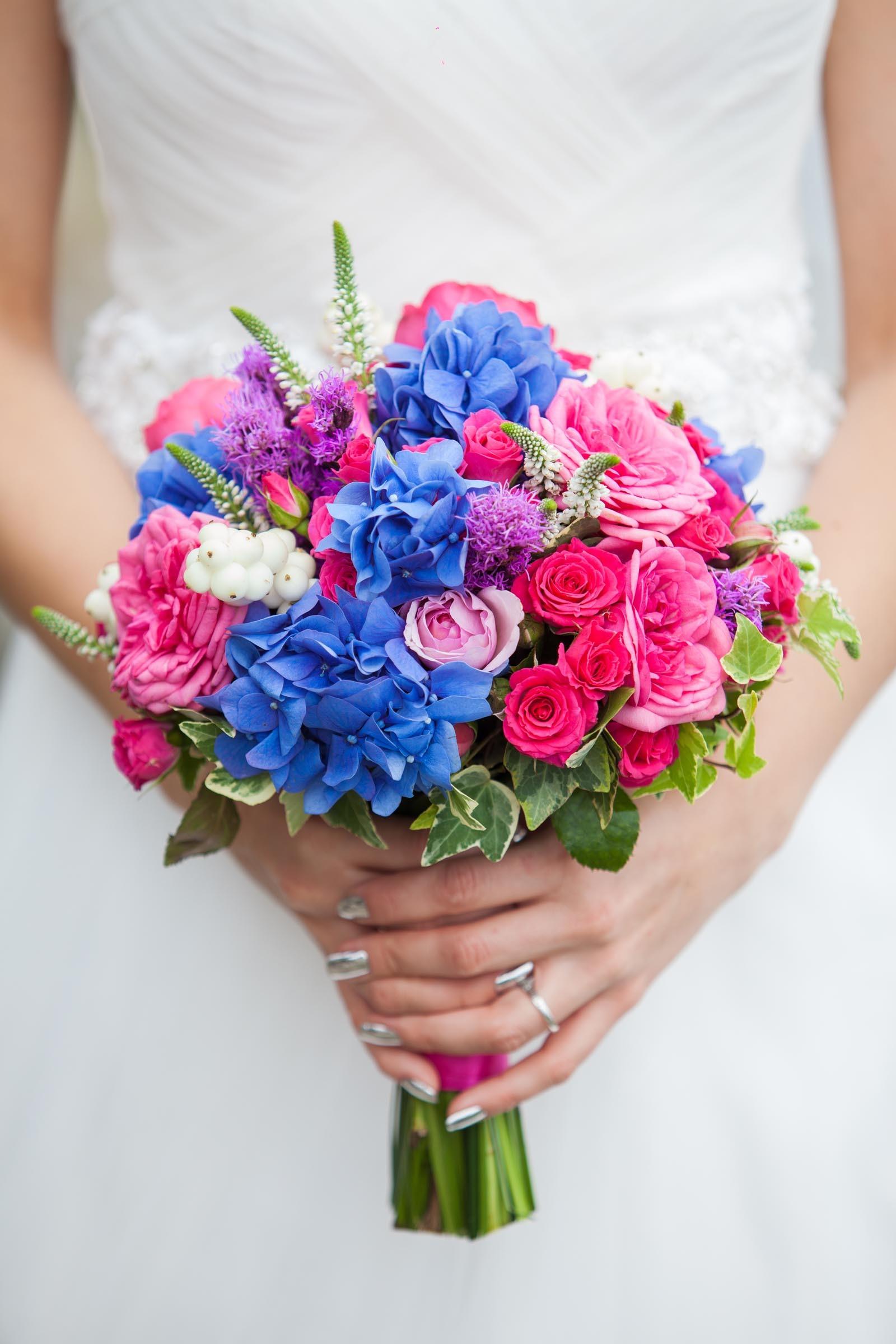 Brautstrauss In Pink Und Blau Heiraten Mit Braut De