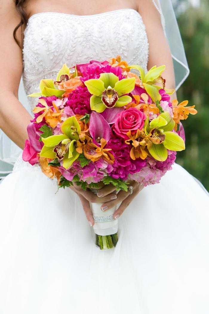 Brautstrauß in Pink und Grün