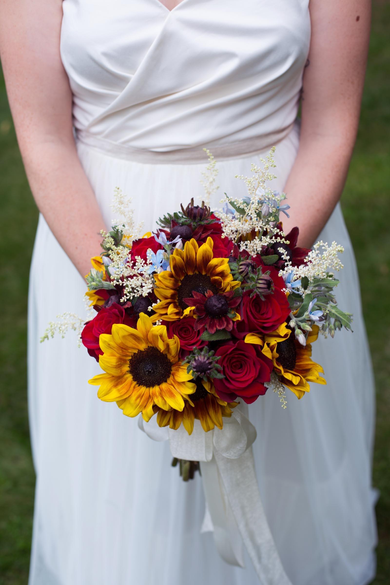 Brautstrauss Mit Sonnenblumen Heiraten Mit Braut De