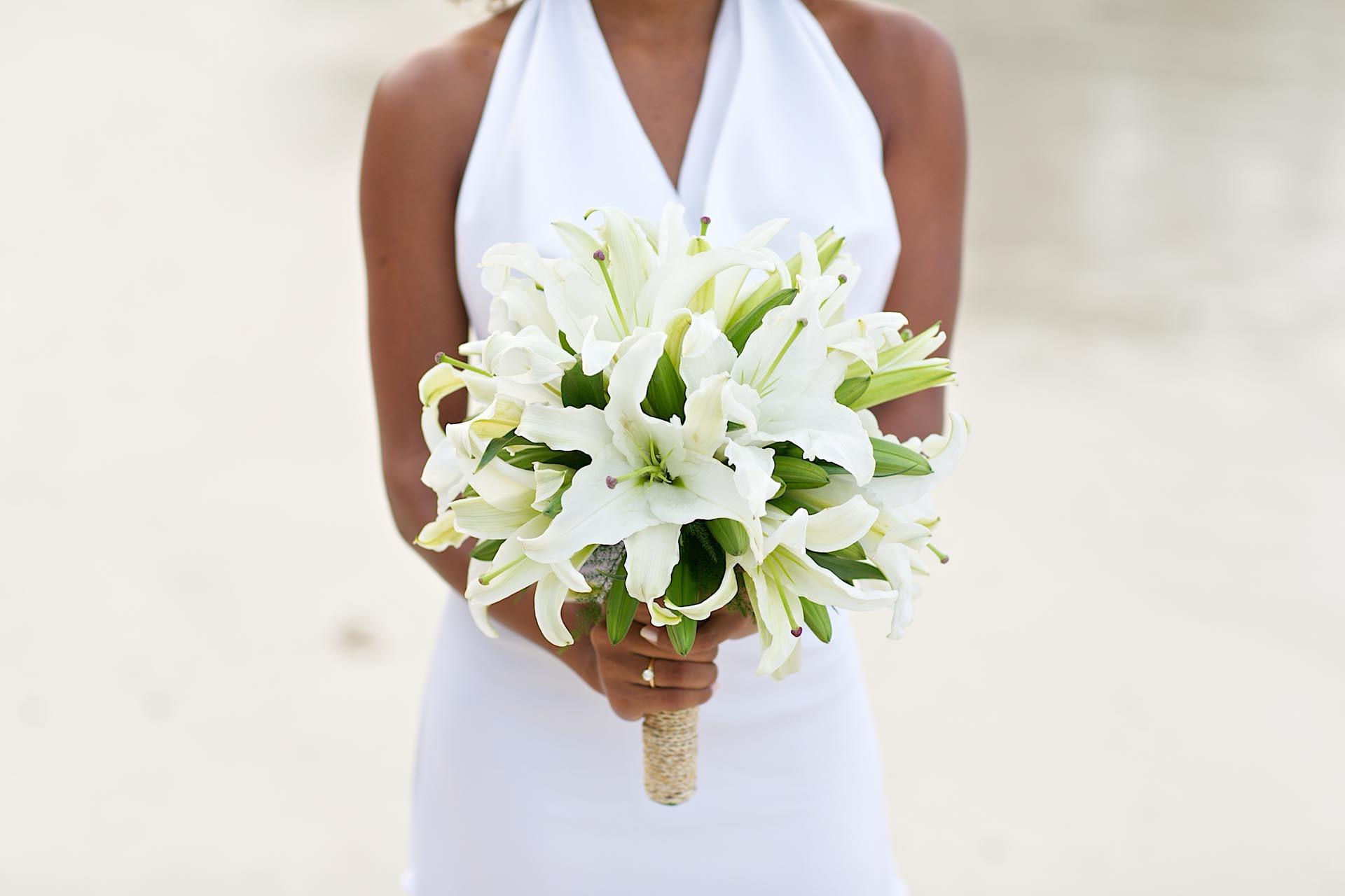Hochzeitsstrauss Modern Aus Lilien Heiraten Mit Braut De