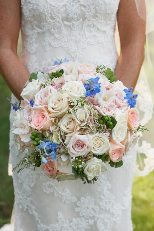 bunter Brautstrauß aus Rosen