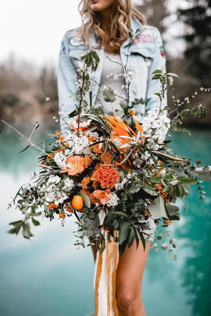Blumenstrauß in Orange und Weiß