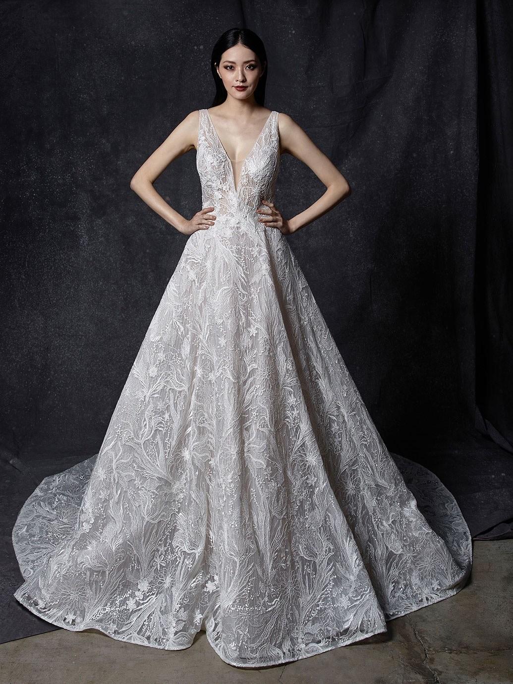Brautkleid Modell Oksana aus der Enzoani Kollektion 2020