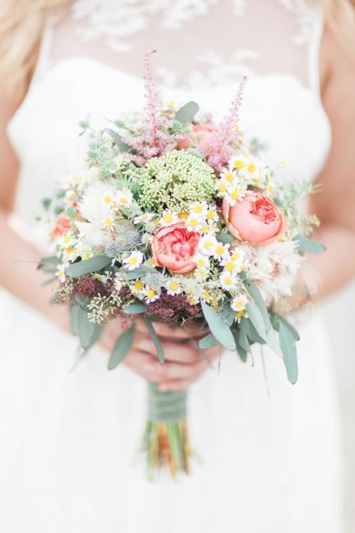 Brautstrauß mit Echter Kamille