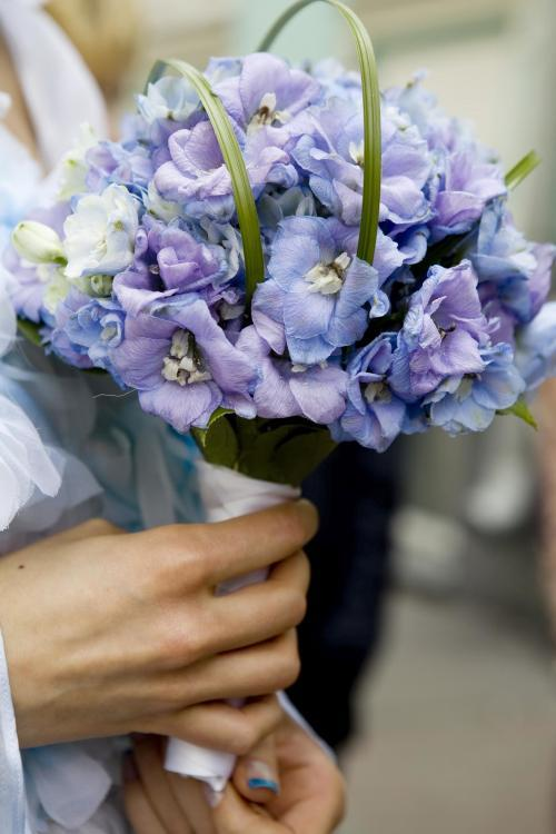 Brautstrauß in Blaulila
