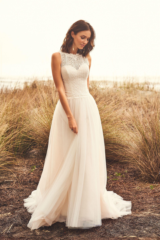 Brautkleid im Prinzessschnitt mit Tüllrock und