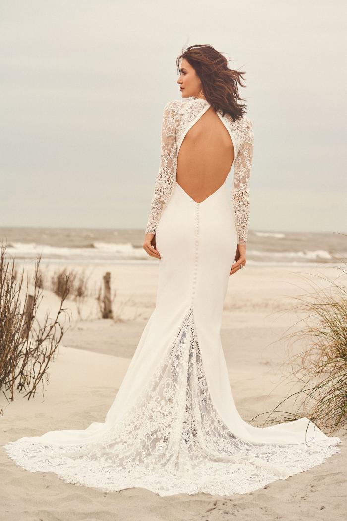 Brautkleid fit & Flare transparent mit Plunge-Ausschnitt aus Spitze