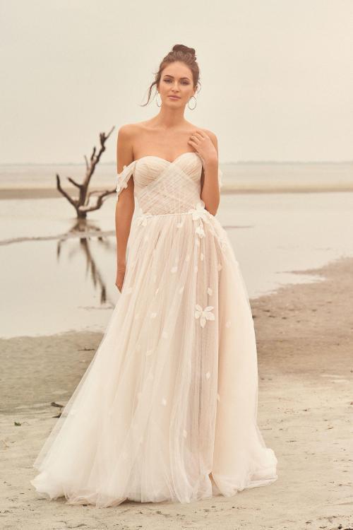 Schulterfreies Hochzeitskleid im Bohemian-Look, Frontansicht