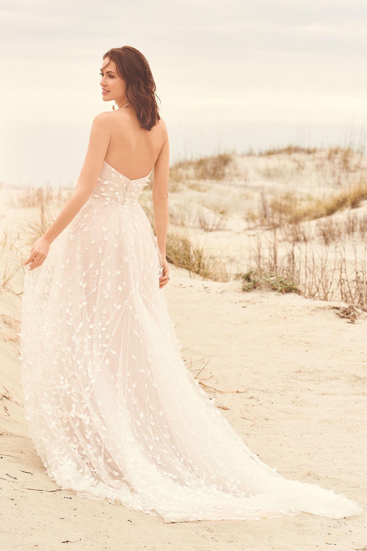 Trägerloses Hochzeitskleid im Prinzessinnen-Look