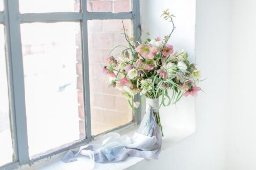 Brautstrauß mit Freesien