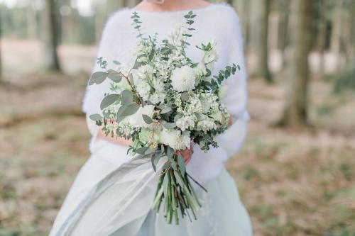 Brautstrauß mit Eukalypten