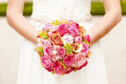 Brautkugel aus Rosen