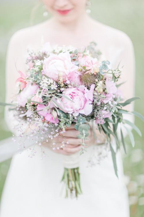 Brautstrauß in Rosafarben