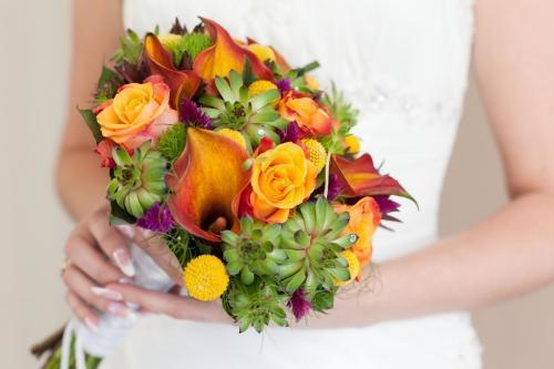Brautstrauß in Orange und Grün