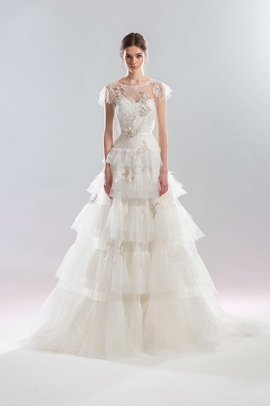 Brautkleid mit Volantrock von Papilio