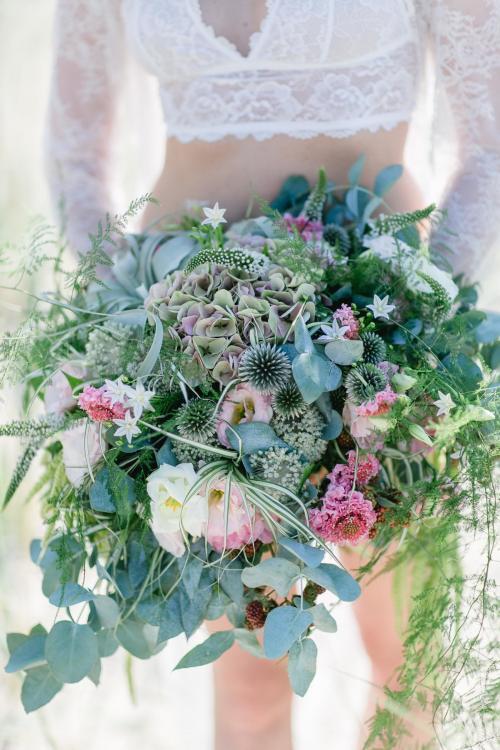 wilder Brautstrauß mit Eukalypten
