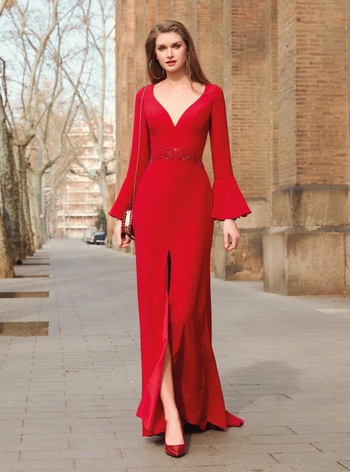 Langes Kleid mit Trompetenärmeln von Fara Fiesta in Rot