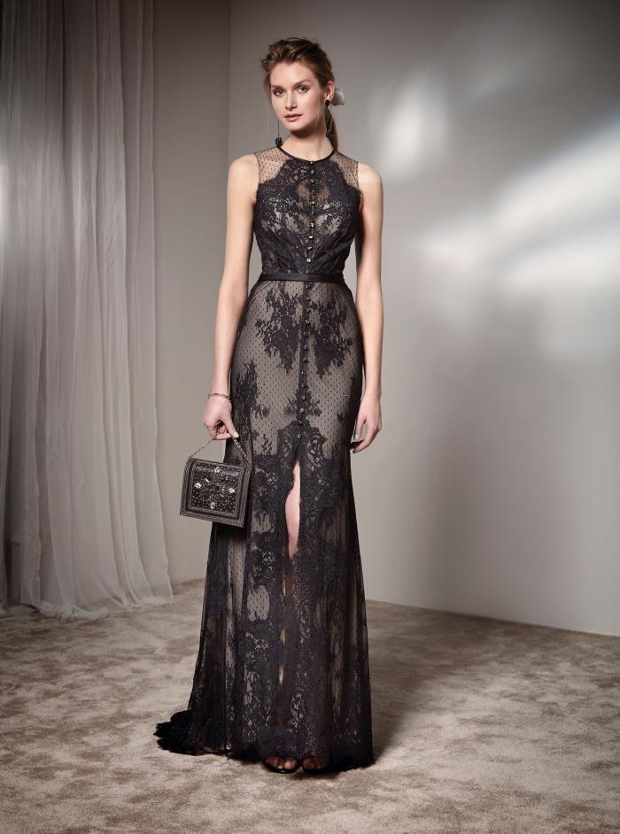Langes Kleid mit Rundhals-Ausschnitt und Spitze von Fara Fiesta in Schwarz