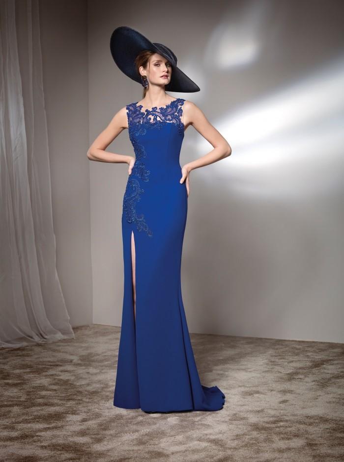Blaues Kleid in Zweiteiler-Optik mit schmucksteinverziertem Oberteil und Tüllrock von Pronovias
