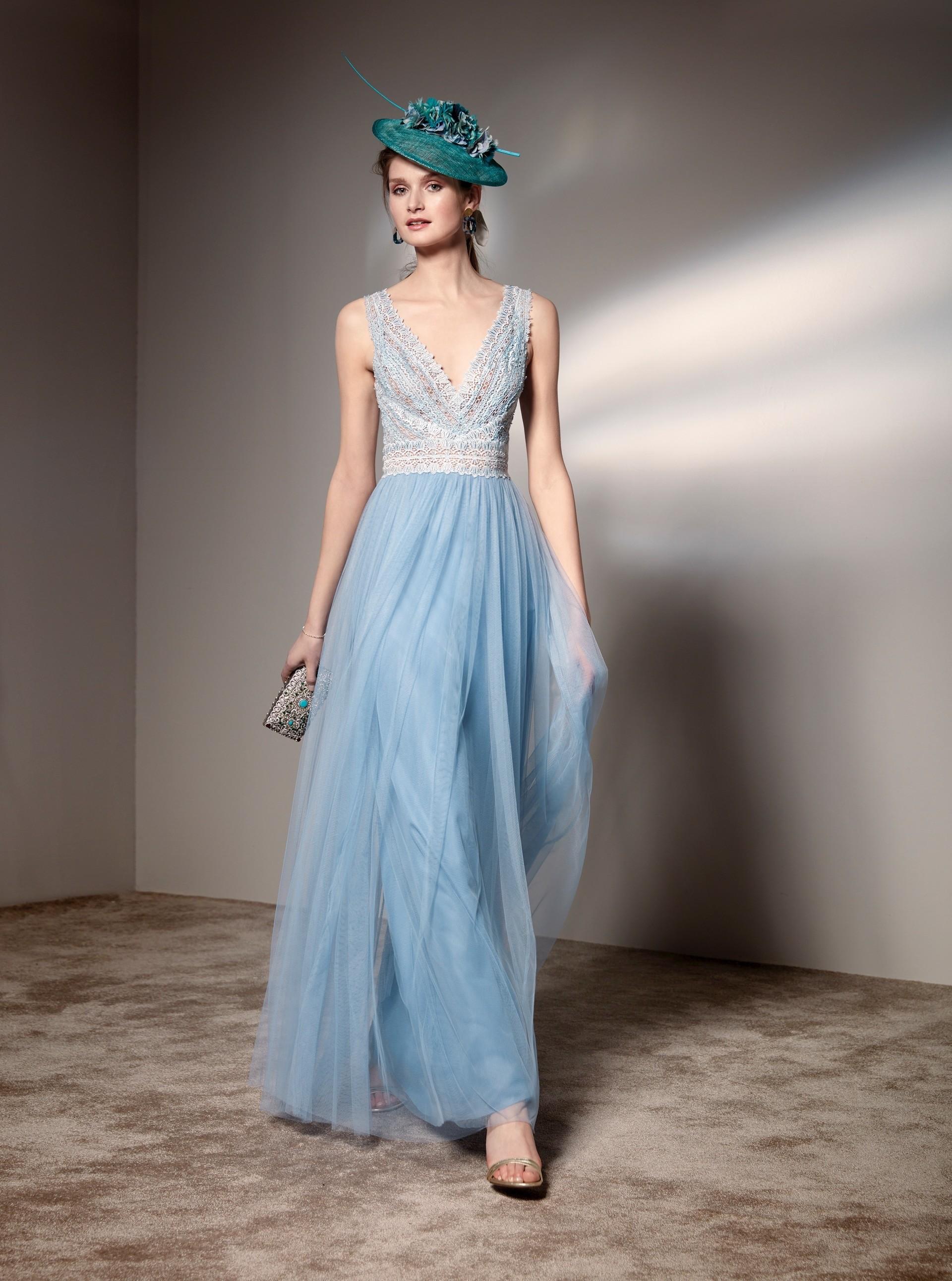 Langes Kleid mit V-Ausschnitt und Tüllrock von Fara Fiesta in Blau