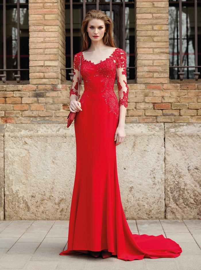 Langes Kleid mit V-Ausschnitt und langen Ärmeln mit Tattoo-Effekt von Fara Fiesta in Rot