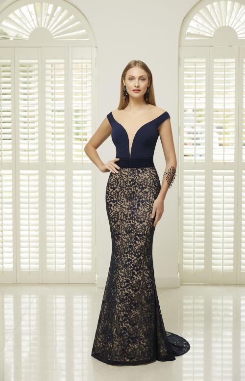 Off-the-Shoulder-Kleid in Zweiteiler-Optik von Ronald Joyce in Blau/Nude